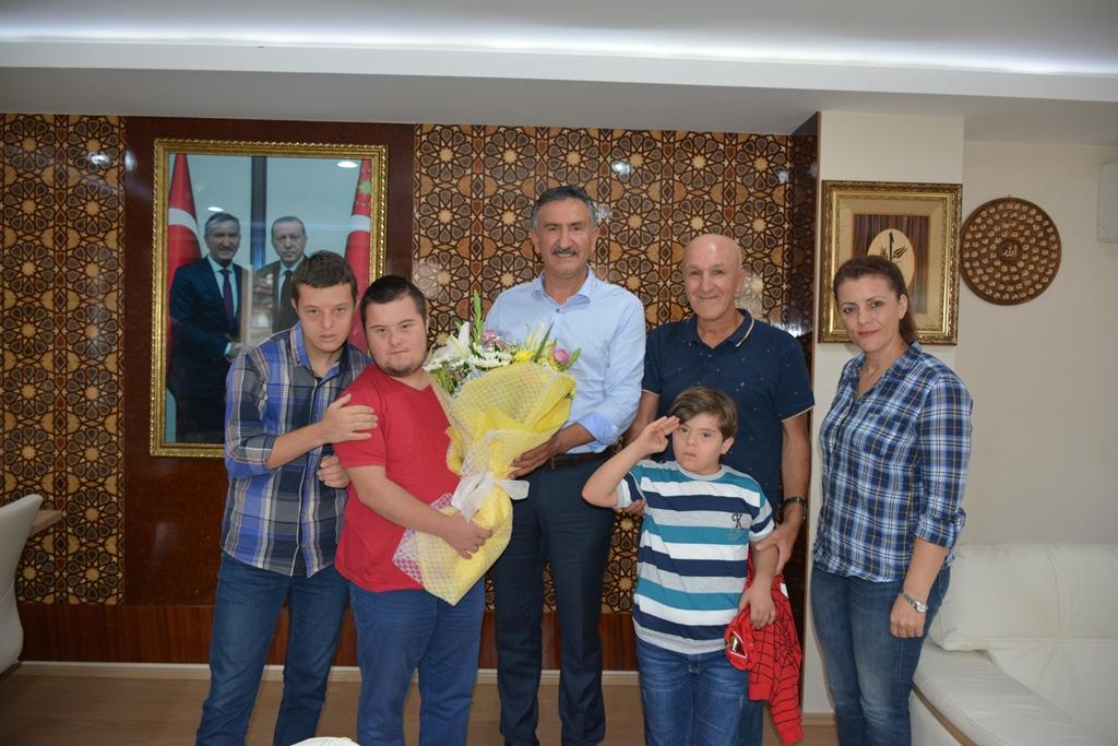 Özel Sporcular Başkan KILIÇASLAN'ı ziyaret etti